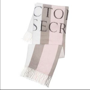 🆕Victoria's Secret Striped Throw